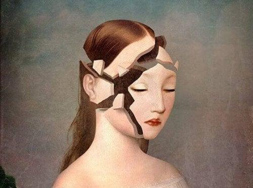 mulher-rosto-quebrado