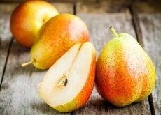 Os benefícios de consumir pera