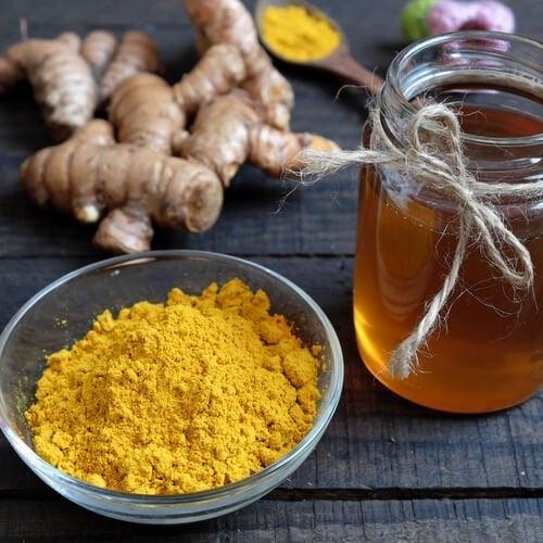 Remédio de cúrcuma e mel