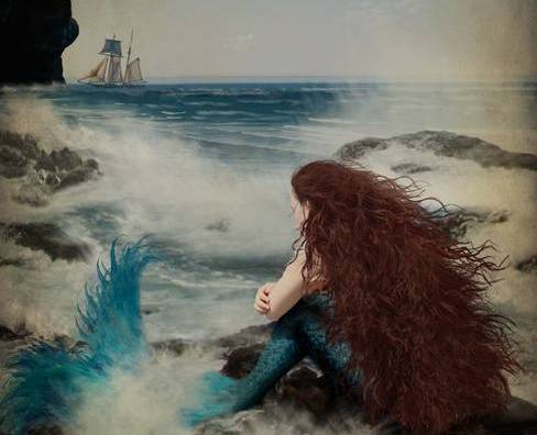 Mulher deixando passar o barco
