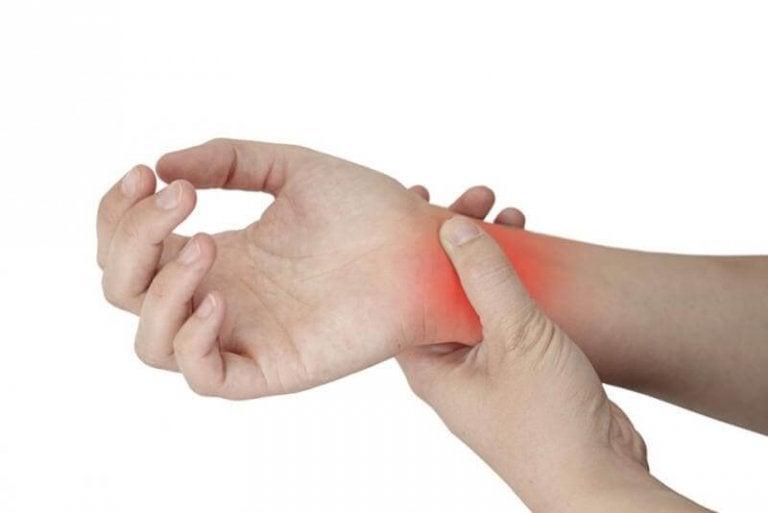 Tenossinovite: a inflamação nas mãos e nos pés