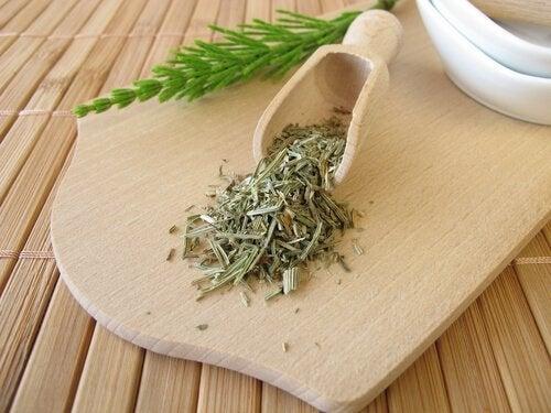 diureticos-naturais-ervas
