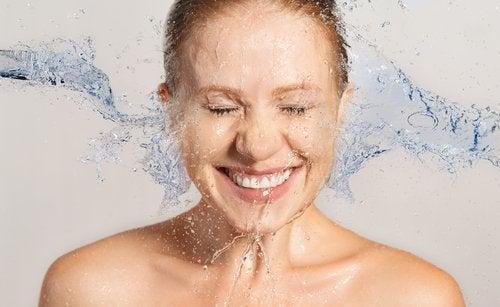 7-tratamentos-naturais-para-os-quais-voce-so-precisa-de-agua2