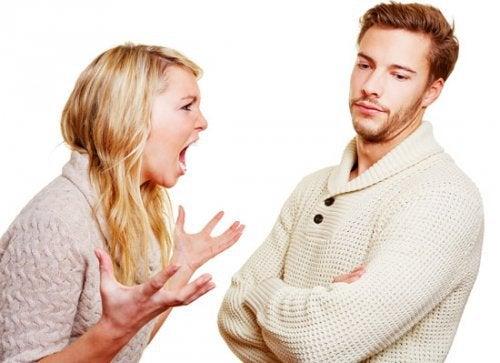 casal_discutindo