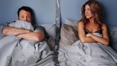 Dormir em quartos separados pode ser benéfico para seu relacionamento