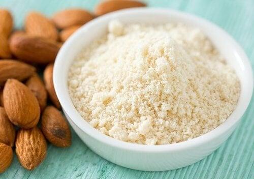 farinha-de-amendoas-para-a-pele