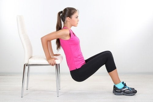 Flexões de tríceps