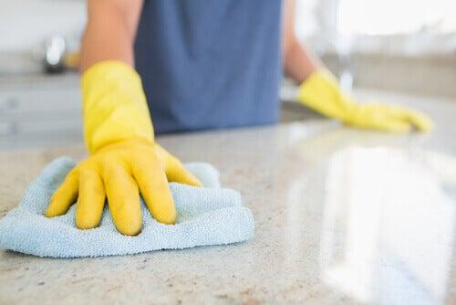 limpar-bancada-cozinha