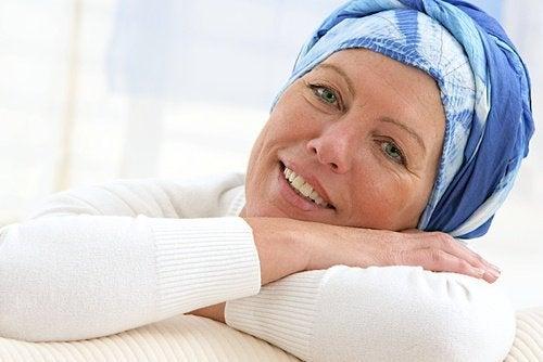 Mulher com câncer de pulmão