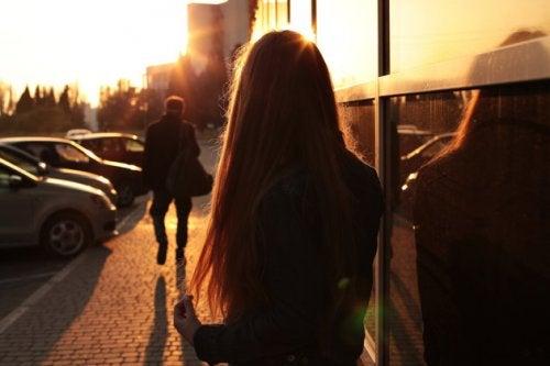 Não tenha medo da mudança; pense que se o seu relacionamento terminou, o melhor é tomar outro caminho.