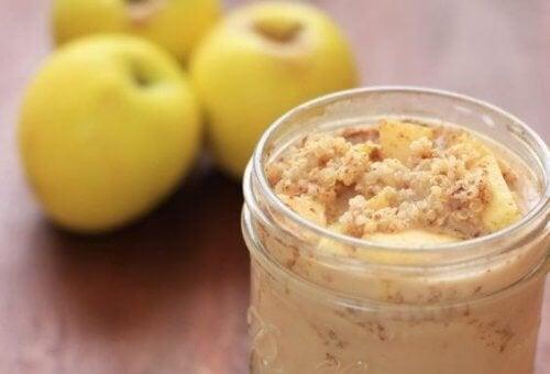 Benefícios de comer quinoa com maçã e canela