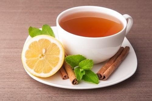 Remédio com canela e estévia para regular o açúcar
