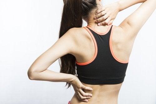 7 movimentos simples para aliviar as dores musculares intensas