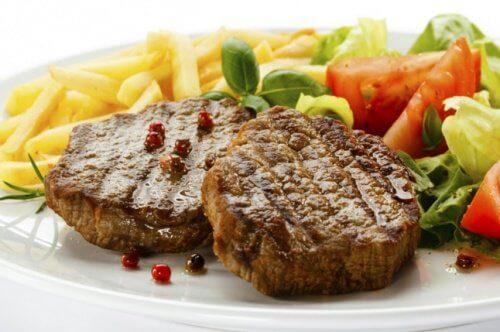 Carne feita na cozinha