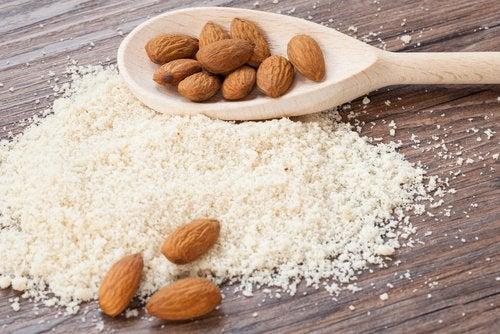 Farinha de amêndoas para combater as gorduras saturadas
