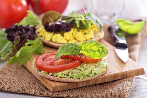 7 alimentos que contêm calorias negativas