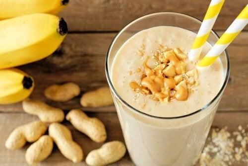 batida-de-banana-e-pasta-de-amendoim