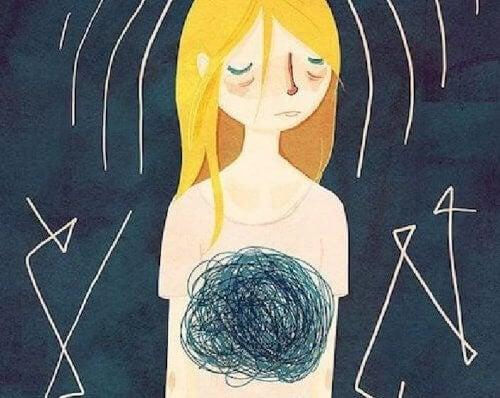 Mulher triste com dor de barriga