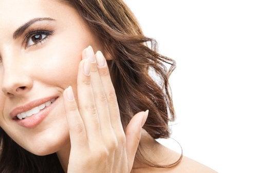 7 dicas para revitalizar o rosto em questão de minutos