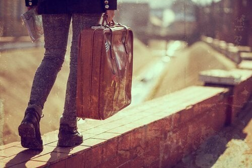 Menina deixando seu lar