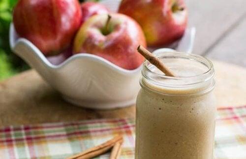 4 receitas de vitamina de maçã para obter um abdômen sarado