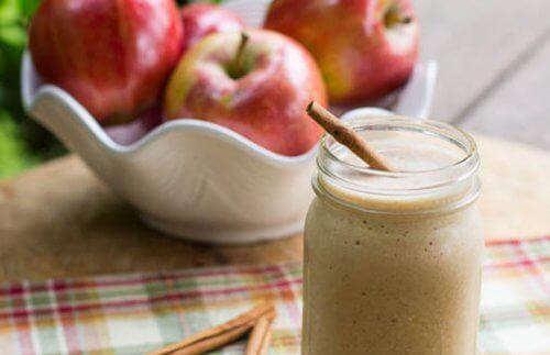4 vitaminas espetaculares de maçã para obter um abdômen plano