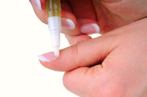 Óleo de amêndoas para as unhas