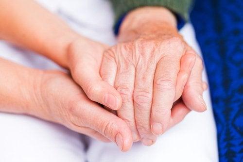 Dor nas articulações das mãos