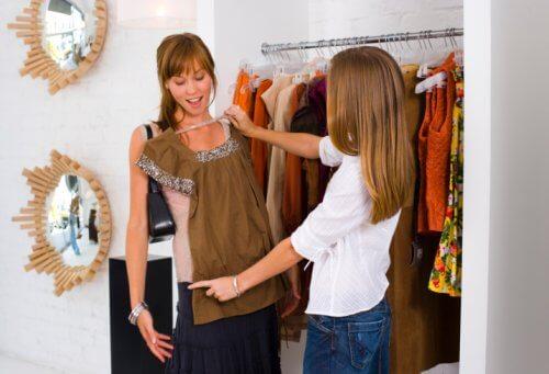 amigas_comprando_roupas