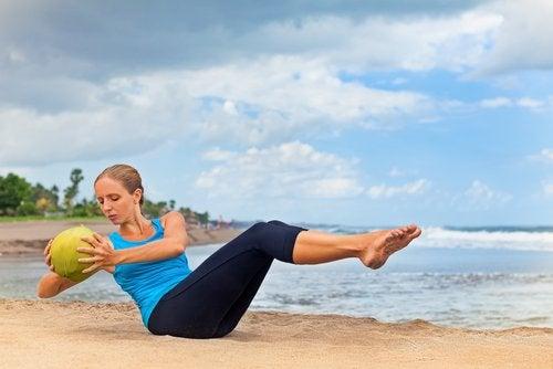 Exercícios com bola suíça