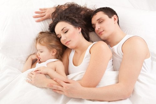 Familia dormindo