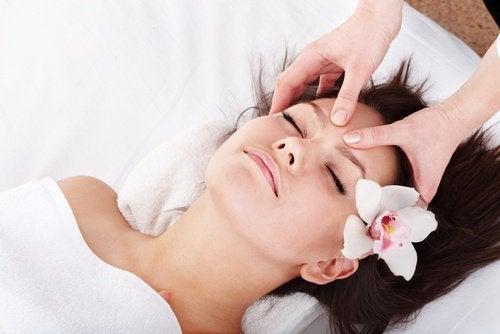 Massagens aliviam dores de cabeça