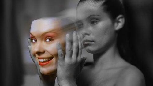 mulher_mascara