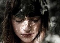 5 reações das pessoas altamente sensíveis que surpreendem os demais