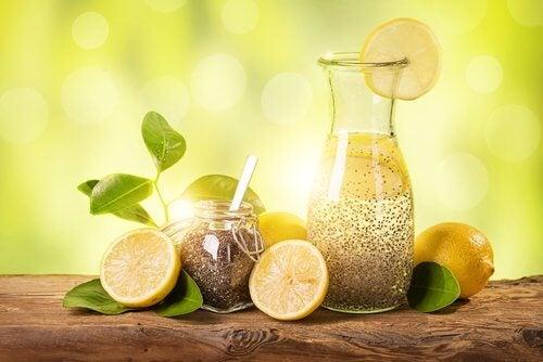 Como perder peso em um mês com limão, gengibre e chia