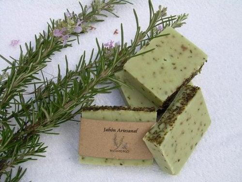Receita de sabonete de alecrim para peles oleosas