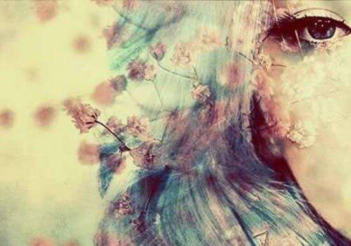 olho-mulher-com-flores
