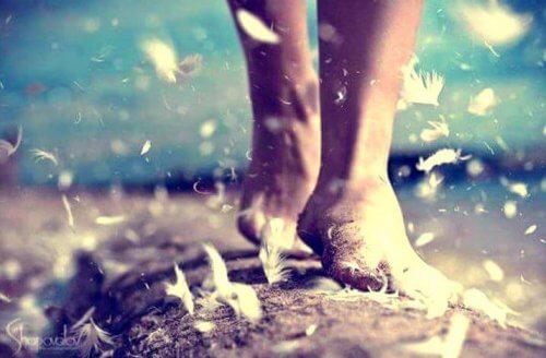4 benefícios psicológicos de caminhar