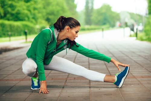 Os alongamentos podem ser remédios para a tendinite