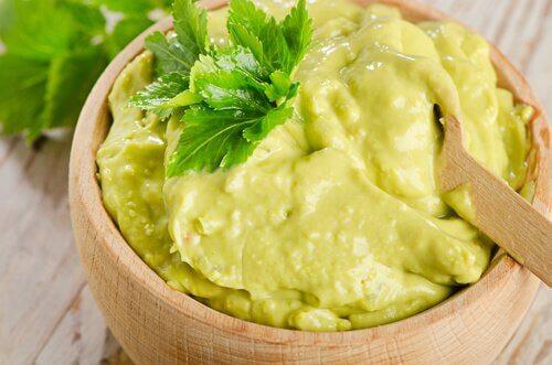 abacate-amassado