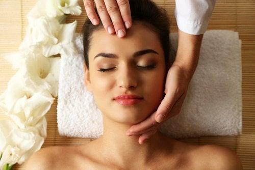 Massagem no rosto