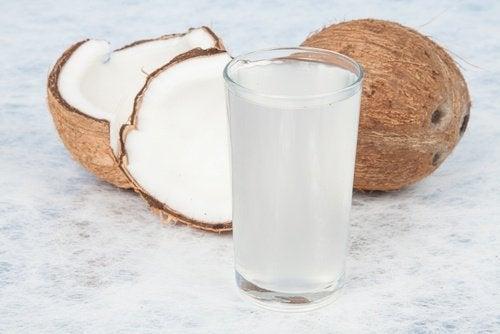 Água de coco para atenuar cicatrizes