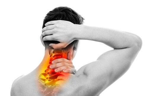 Você sofre de dor nas costas e no pescoço? Saiba o que fazer