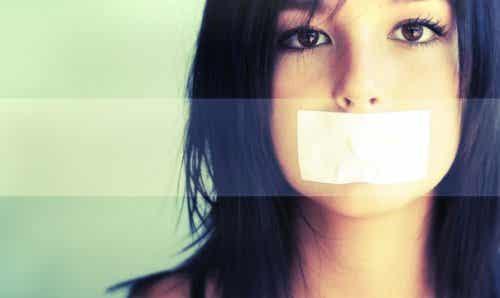 Maus-tratos e abuso nos relacionamentos adolescentes