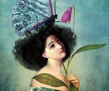 mulher-borboleta-gigante-na-cabeca