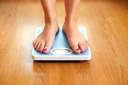 Alterações no peso podem ser sinais de problemas na tireoide