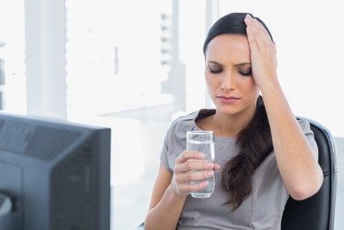 Não se hidratar o suficiente é prejudicial para a sua saúde cerebral