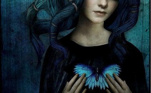 Mulher pensando na borboleta