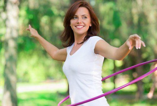 Mulher fazendo atividade física