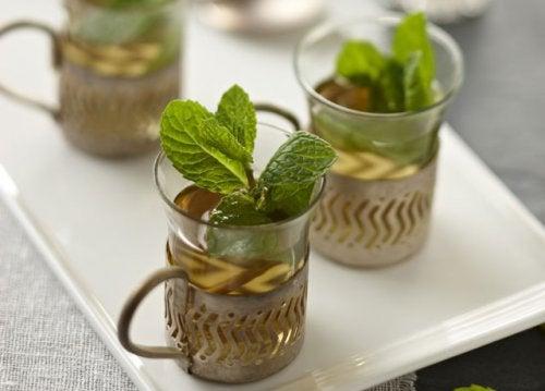 Chá de ervas contra a dor de estômago